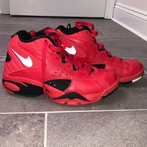 Nike Men's Retro Jordan Basketball Shoe, Size 7.5